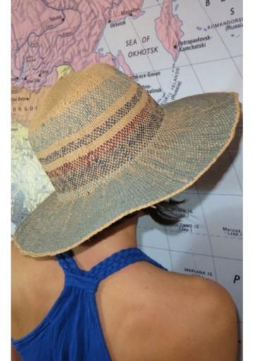Sombrero ala azul